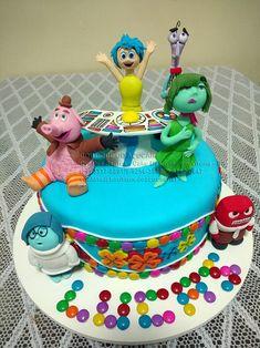 bolo-decorado-divertidamente Inside Out cake