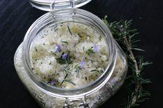 bath series   DIY Bath Salts - Rosemary, Vanilla & Lemon Bath Salts, Vanilla, Lemon, Ethnic Recipes, Diy, Food, Bath Scrub, Bricolage, Essen
