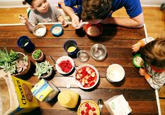 We adore how @lovetaza and family approached the Family Breakfast Project.