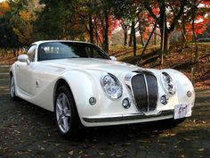 Mitsuoka Himiko Roadster. Usually I'm not a fan of Japanese automobiles, but there is just something about this one.