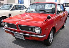 The Honda 1300 was an automobile produced by Honda from The largest car ever manufactured by Honda to that point, the 1300 was a front wheel drive car released as a sedan and coupe. Old Honda Motorcycles, Nissan Sunny, Automobile, Toyota 2000gt, Classic Japanese Cars, Honda Motors, Car Racer, Datsun 510, New Honda
