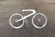 Epo Bicycle, bicicletta ispirata al design e ai metodi di produzione automotive.