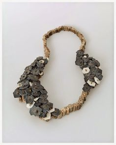 Amidst all my reading about contemporary art, I'm continuing to pay attention to contemporary jewelry. The work of Silke Spitzer caug. Prom Necklaces, Jewelry Necklaces, Beaded Necklace, Beaded Bracelets, Pendant Necklace, Charm Bracelets, Silver Earrings, Jewelry Art, Jewelry Design