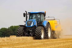 New Holland T7 bailing during last years harvest season. #newholland #tractors #farming #farm #british British Architecture, Farm Business, New Holland Tractor, Harvest Season, Farming, Tractors