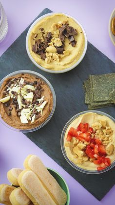 Recipe with video instructions: Everyone loves hummus and we've found a great way to eat it for dessert! Here are 3 awesome flavours to try including chocolate brownie and strawberry cheesecake. Dessert Hummus Recipe, Healthy Dessert Recipes, Indian Food Recipes, Sweet Hummus Recipe, Chocolate Hummus, Healthy Chocolate, Berlin Vegan, Carrot Spice Cake, Peanut Butter Desserts