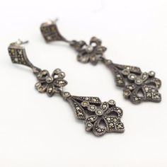 Antique-C-1920-Art-Deco-Sterling-Silver-Marcasite-2-Long-Chandelier-Earrings