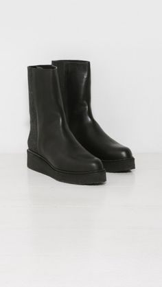Hope Smith Boot in Black   The Dreslyn