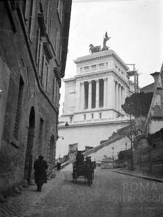 Via di Tor de' Specchi (1929)