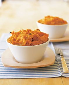 A delicious, warm and hearty chicken pie. Free from gluten, grains, dairy, egg and refined sugar. could omit chicken for Jackson Healthy Meals For Kids, Healthy Eating Recipes, Raw Food Recipes, Cooking Recipes, Healthy Dinners, Yummy Recipes, Diet Recipes, Healthy Food, Asparagus And Mushrooms