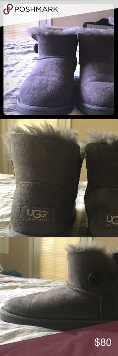 Ugg bailey button mini Ugg bailey button mini, in very good used condition, size 6, these have ugg replacement insoles inside so they are really fuzzy still on the inside. UGG Shoes Winter & Rain Boots