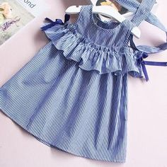 2017 Summer ruffles girls dress girl clothing sleeveless striped dress for girl summer robe fille with hair bands Frock Design, Girls Formal Dresses, Little Girl Dresses, Fashion Kids, Baby Frocks Designs, Kids Robes, Baby Dress, Dress Girl, Ruffle Dress
