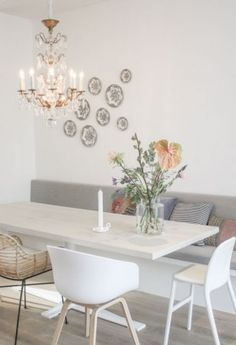 Cozy Living Rooms, Living Room Interior, Home Living Room, Living Room Decor, Dining Room Inspiration, Interior Inspiration, Small Modern Kitchens, Dining Table With Bench, Living Comedor
