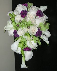 white flowers with color accents for the ladies