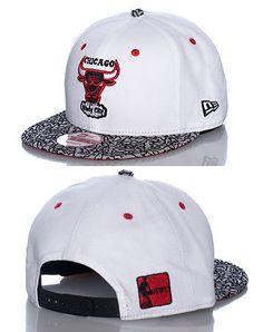 NEW ERA Basketball snapback cap Adjustable strap on back of hat for ultimate  comfort Embroidered tea. 794e1f9f451