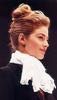 fashion show. Around 1992. Alberta Ferretti. Elain Irwin Mellencamp.