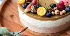 Valkosuklaa-nougat-kinuskijuustokakku - tätä herkullisemmaksi kakku ei voi muuttua - Kohokohta.com Camembert Cheese, Cheesecake, Baking, Sweet, Desserts, Tailgate Desserts, Patisserie, Cheese Cakes, Backen