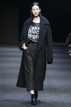 Yoo Ji Ahn - Jain Song Fall 2015 Seoul Fashion Week