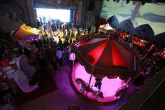 A festa de 15 anos de Larissa Manoela foi o evento do ano! Para a comemoração, realizada na Casa Petra, a atriz usou vestidos Lucas Anderi e tiaras Graciella Starling.