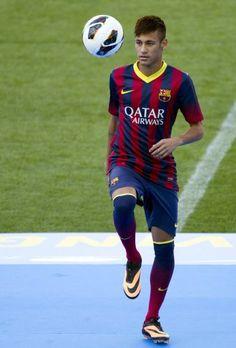 ¿Demasiada presión?: Neymar está anémico y bajó 7 kilos. ¿Qué le pasa al nuevo jugador del Barcelona? Enterate acá www.minutouno.com/c295242