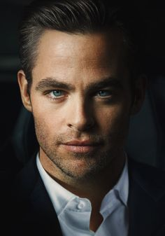 Chris Pine should have been cast as Christian Grey!