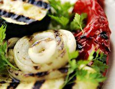 Grillede grønnsaker med olivenolje Avocado Egg, Couscous Salat, Zucchini, Eggs, Vegetables, Breakfast, Food, Morning Coffee, Essen