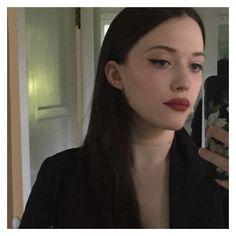 Can't get over Kat Dennings' selfie last night. Kat Dennings, Two Broke Girl, Non Blondes, Best Eyeliner, Max Black, Girl Crushes, Makeup Inspiration, Pretty People, Hair Makeup