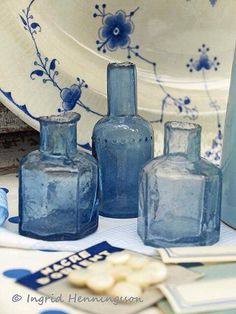 Three Blue Vintage Bottles I love blue Antique Bottles, Vintage Bottles, Bottles And Jars, Antique Glass, Vintage Perfume, Vintage Glassware, Perfume Bottles, Blue And White China, Love Blue