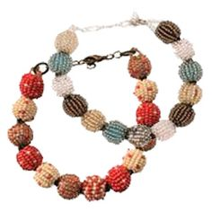 Style that Gives Back - Thanda Zulu Beaded bracelets. #FAIRTRADE items made by artisans in South Africa!