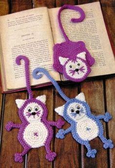 закладки вязанные коты