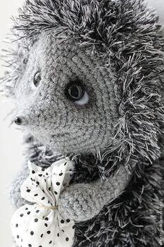 Игрушки животные, ручной работы. Заказать Ёжик в тумане. Елена Ермак. Ярмарка Мастеров. Вязаные ёжики, Велюровая пряжа Crochet Gifts, Cute Crochet, Crochet For Kids, Crochet Toys, Pet Toys, Kids Toys, Christmas Crochet Patterns, Knitted Animals, Amigurumi Patterns