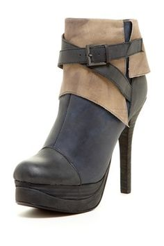 Two Lips Pulse Colorblock Bootie