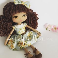 """101 curtidas, 6 comentários - Upper Dhali - Keepsake Dolls (@upperdhali) no Instagram: """"Semi custom Fleur  I absolutely adore this beautiful fabric - will need to dig deep in the fabric…"""""""