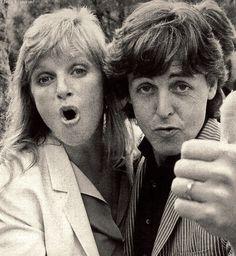 Linda Eastman McCartneyS J Paul McCartney