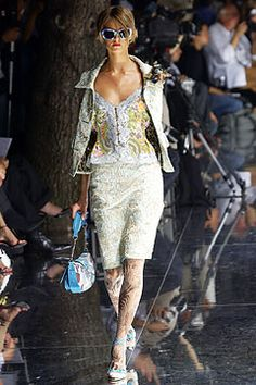 Dolce & Gabbana Spring 2004 Ready-to-Wear - Collection - Gallery - Style.com