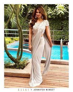 Here are the top 20 Modern ways Saree Draping Styles to Look Different & Beautiful. I love saree draping with different new styles, which I called Saree Draping Styles, Drape Sarees, Saree Styles, Trendy Sarees, Stylish Sarees, Fancy Sarees, Saree Designs Party Wear, Sarees For Girls, Saree Gown