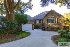 A beautiful private oasis in The Landings on Skidaway Island.