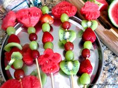fruits arrangements | Place the skewers upright in a cup or bowl or a flower vase of the ...