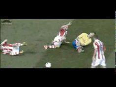 L'énorme faute subie par Olivier Giroud vs Stoke City - http://www.actusports.fr/91349/lenorme-faute-subie-par-olivier-giroud-vs-stoke-city/