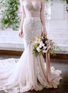 Mini DeLites: A Totally Fake Wedding With Style Me Pretty