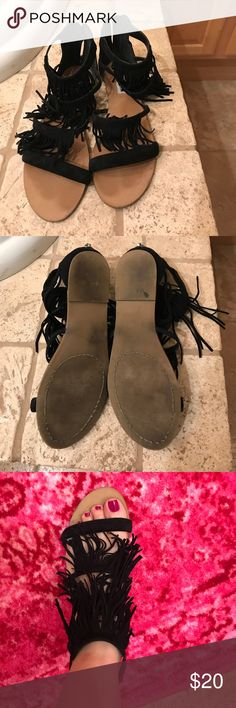 Steve Madden Sandals Black fringe sandals. Great condition! Steve Madden Shoes Sandals