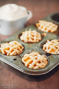 MINI VANILLA-PEACH PIECAKES - this is what happens when pie and cake have a baby ;)