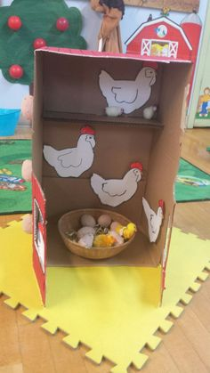 Chicken Coop - Farm Dramatic Play/ DIY Chicken Coop Building a chicken coop does not have to be tricky nor does it have to set you back a ton of scratch. In the daycare set up an environment for chicken coop .so the toddlers can collect eggs and imitate t Farm Activities, Preschool Activities, Farm Animals Preschool, Preschool Farm Theme, Farm Theme Classroom, Preschool Crafts, Crafts For Kids, Farm Lessons, Farm Animal Crafts