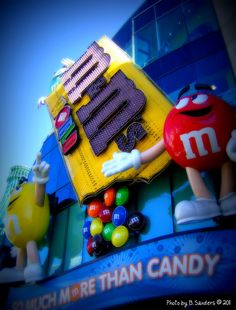 Las Vegas Strip M and M store. Who wouldn't want to pop in to the store and buy some custom M and Ms?  #ExpediaThePlanetD