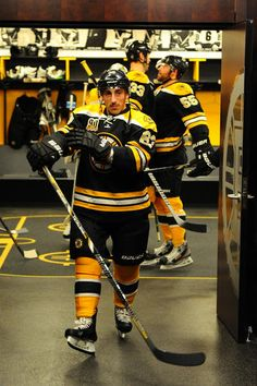 Brad Marchand goes for a stroll while Johnny Boychuk and Zdeno Chara chest bump - gotta love the Bruins! Boston Bruins Funny, Boston Bruins Players, Hot Hockey Players, Boston Bruins Hockey, Ice Hockey Teams, Hockey Stuff, Hockey Mom, Boston Sports, Boston Red Sox
