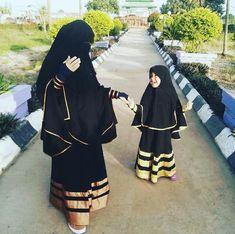 Like mother like daughter mashallah