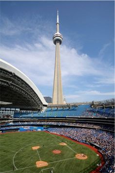 Rogers Centre, Toronto Blue Jays ballpark - Ballparks of Baseball Baseball Park, Baseball Field, Baseball Games, Baseball Kids, Baseball Clothes, Rockies Baseball, Baseball Equipment, Baseball Shirts, Sports Stadium