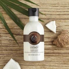 Discover nature-inspired skincare, body care and gifts at The Body Shop. Best Smelling Body Wash, Best Body Wash, Natural Body Wash, Body Shop At Home, The Body Shop, Aveeno Body Wash, Body Shop Australia, Body Shop Skincare, Body Cleanser