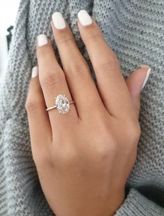 Super thin band in yellow gold Yellow Engagement Rings, Oval Engagement, Oval Shaped Engagement Rings, Diamond Solitaire Rings, Oval Diamond, Ring Verlobung, Dream Ring, Or Rose, Rose Gold