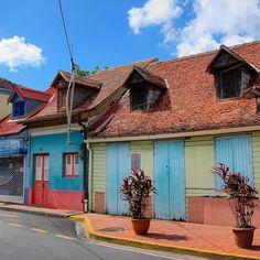 #Madinina vue par @kaurralye: beautiful colors in the streets of Anses d'Arlet.#Martinique  #kaurralye_martinique #architecture #ig_countryside #ig_caribbean #loves_doorsandco #worldwide_shot #wonderful_places #postcardfromtheworld #world_shotz #caribbean #rsa_doorsandwindows #doorsandwindows_greatshots #colourful_shots #colors_ofourlives #loves_urban #travel #exklusive_shot #ig_martinique #loves_caribbeansea #beautifuldestinations #colourful_shots #splendid_urban #street_perfection…