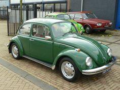 Groene Volkswagen Beetle